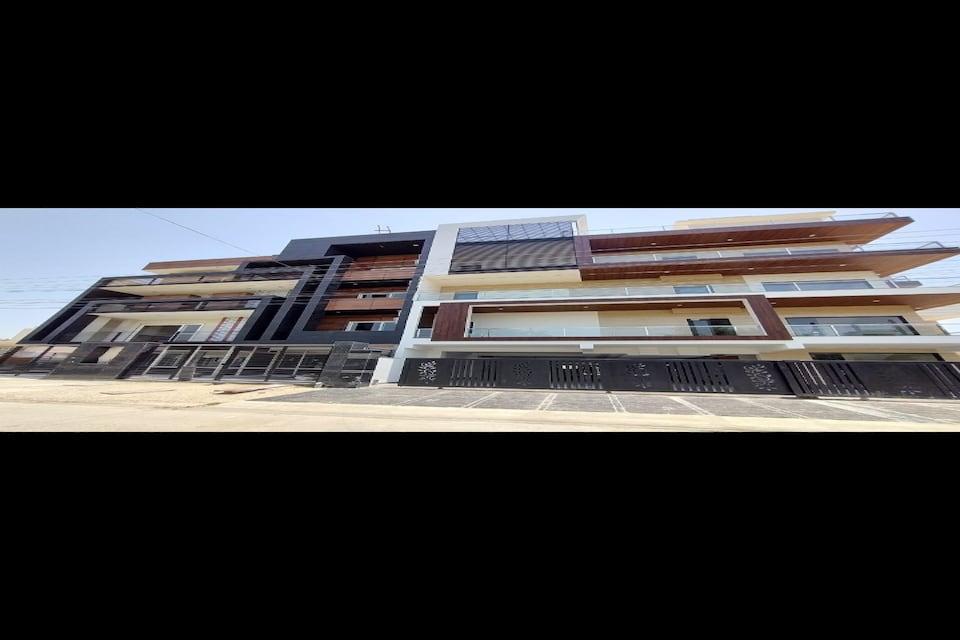 Capital O 80957 Blue House, HUDA CENTRE 1, Gurgaon
