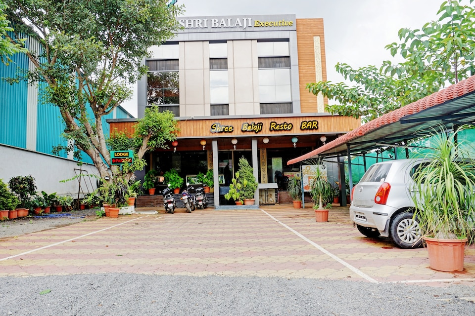 Capital O 80999 Hotel Shri Balaji Executive, Katraj Khed Shivapur Pune, Pune