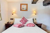 OYO Dovecote Hotel