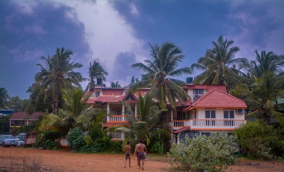 OYO 81027 Recommended Stays By GhumakkadIndia, Candolim Goa, Goa