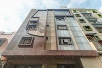 Capital O 81058 Hotel Ln International Elite