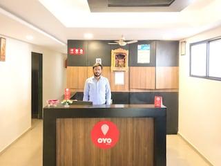 OYO Rooms 274 Near Girish Cold Drink CG Road