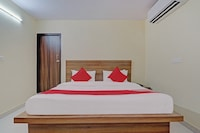 OYO 81133 Parth Residency