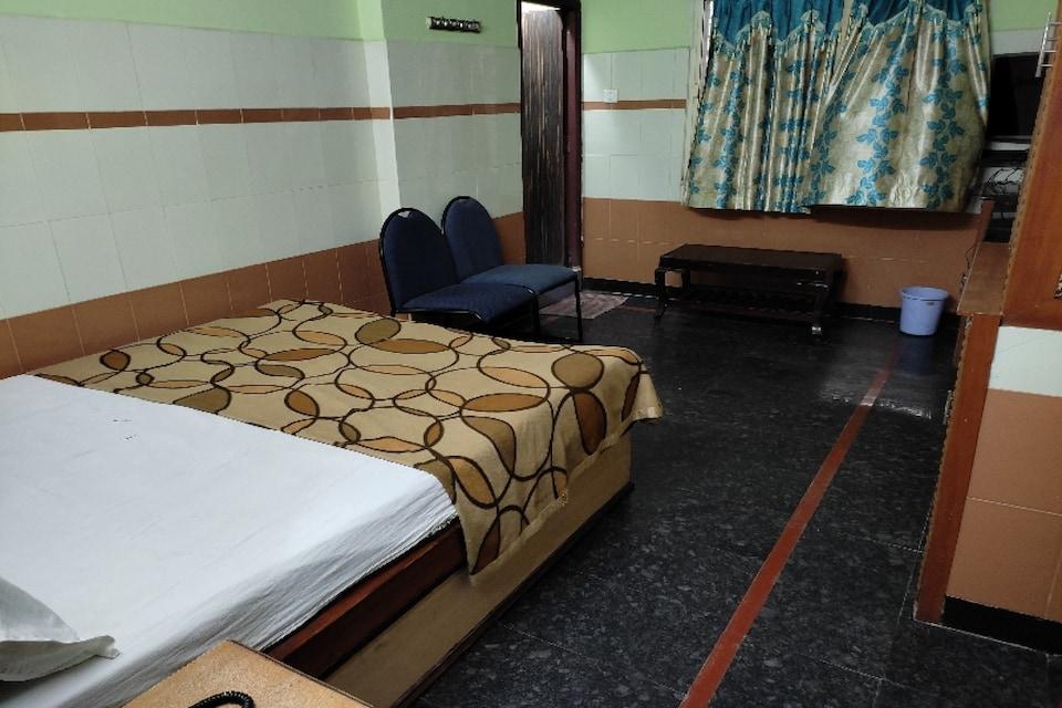 SPOT ON 81147 Hotel Taj, MG Road Vijayawada, Vijayawada