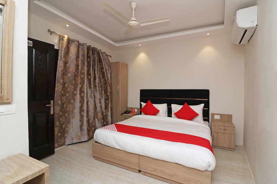 OYO 81174 Hotel Lime Wood, Nayagaon Chandigarh, Chandigarh