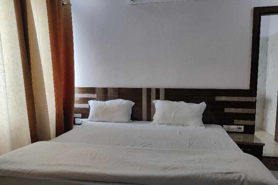 OYO 81176 Hotel Laksh , Kurukshetra, Kurukshetra