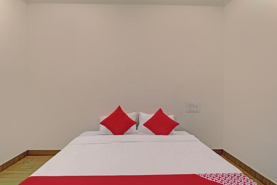 OYO 81223 Hotel Blossom NAG541, Dharampeth Nagpur, Nagpur