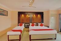 OYO 81273 Hotel Sri Sai Grand Central