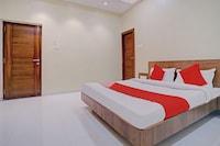OYO 81281 Hotel Jay Mahakali