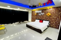 OYO 81294 Dwarka Mor Metro Hotel