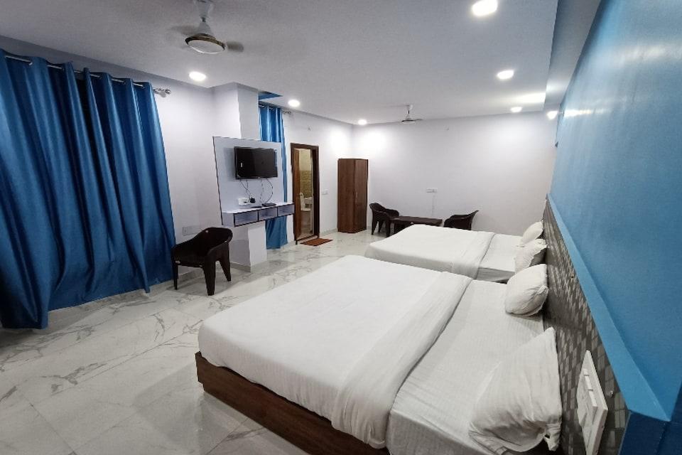 Capital O 81318 Hotel The Grand Galaxy, Laxman Jhoola Rishikesh, Rishikesh