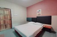 SPOT ON 90305 Hen Hen Hotel