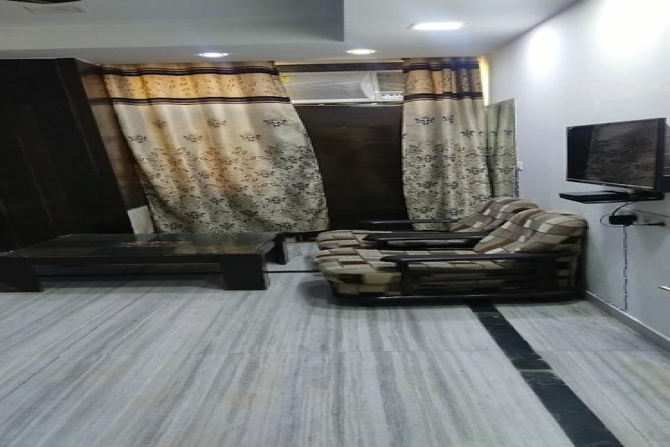 OYO 81372 Royal Hotel, Noida City, Noida