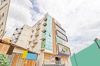 OYO 81386 Dhanvitha Suites