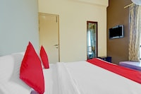 OYO Flagship 81402 Legrace Residency