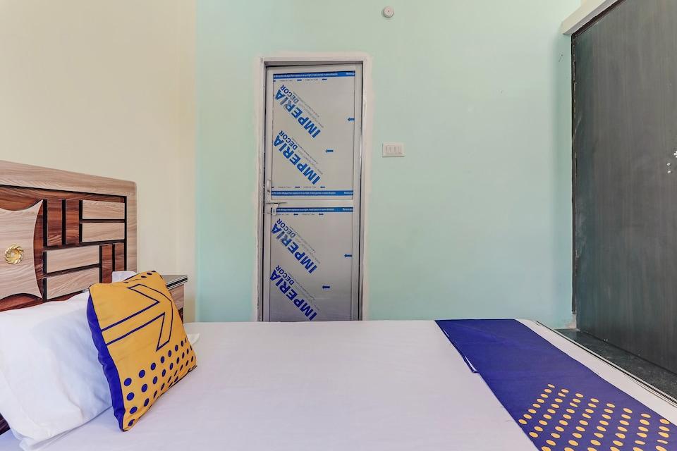 SPOT ON 81430 Rudra Guest House, Lanka, Varanasi