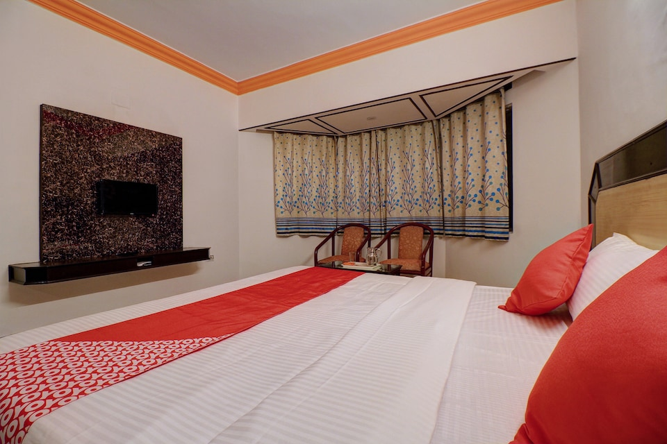 Collection O 81603 Hotel sapphire paradise, Ooty Coonoor Road, Ooty