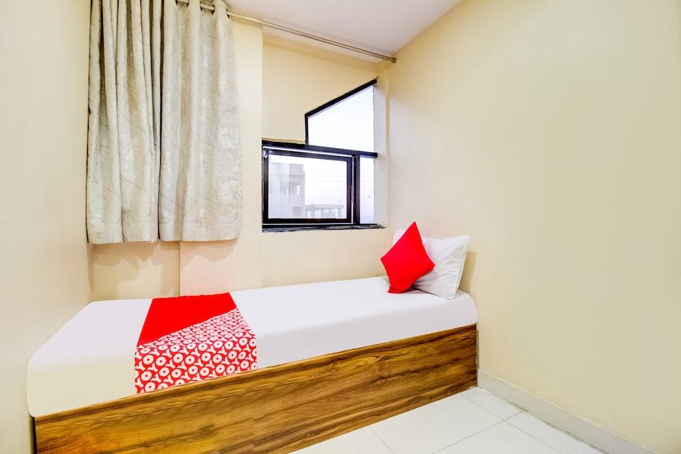 OYO 81625 Hotel Radhika, Nashik, Nashik