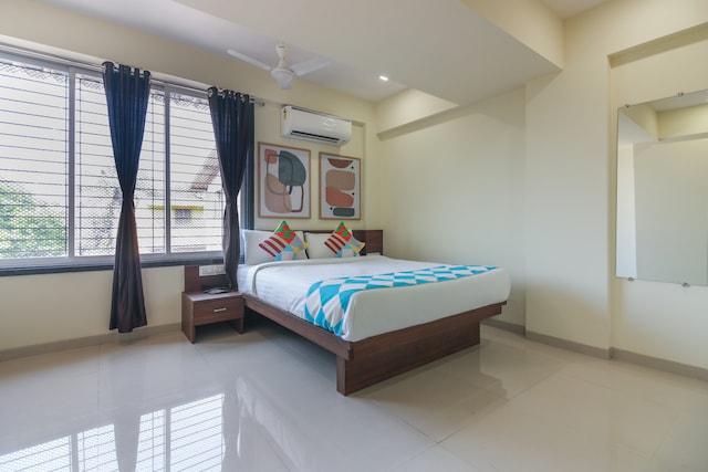 OYO HOME 81630 Exotic Studio Kalamboli