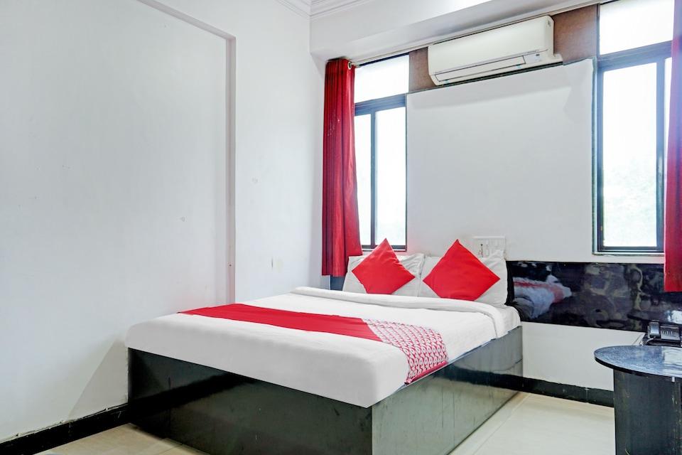 OYO 81635 Silver Hotel, Swargate Pune, Pune