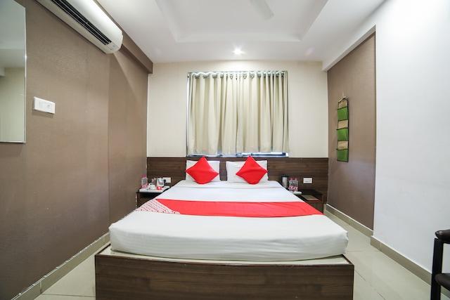 OYO 1019 Hotel Flora Inn