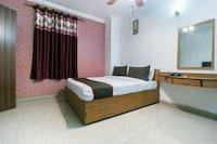 OYO Townhouse 447 Hotel Teg Royal