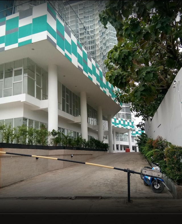 Capital O 90569 Sultan Premiere Majestic Point Serpong