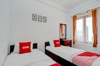 OYO 90570 Heboh Guest House