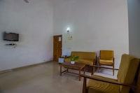 OYO Home 81818 Elegant Studio Varca