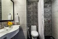 OYO 81890 Townhouse Hotel Sun Village Resort