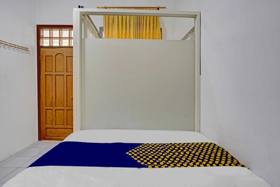 SPOT ON 90586 Hagawa Syariah Homestay, Lamongan, Lamongan