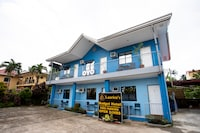 OYO 814 Laurien's Budget Hotel