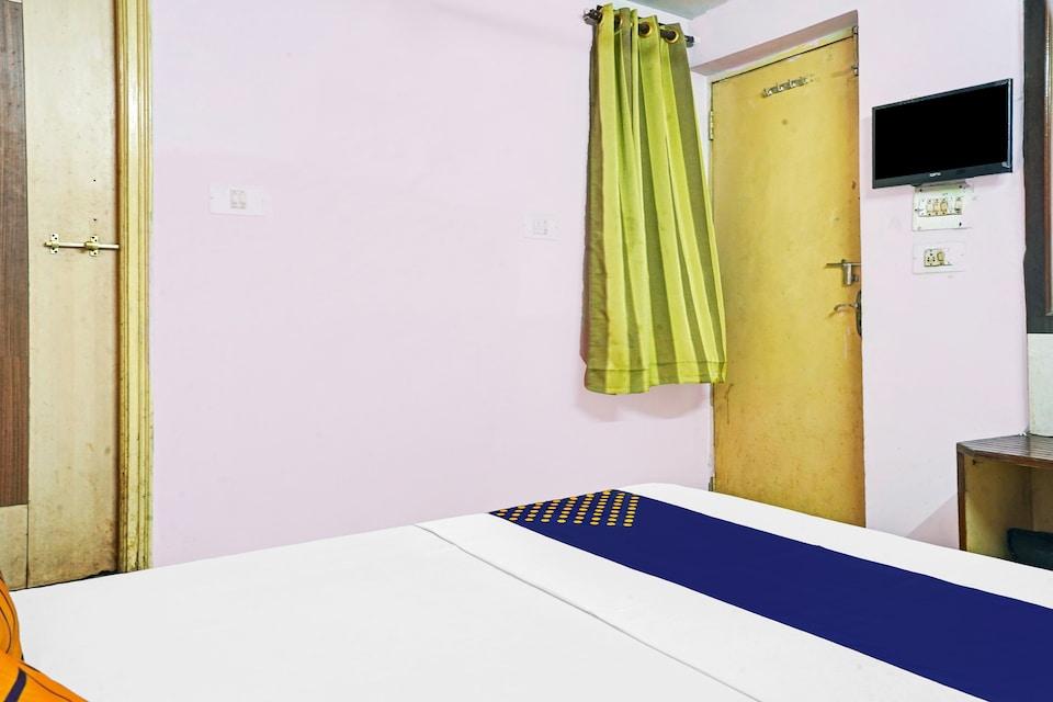 SPOT ON 81939 Hotel Sona Palace, Station Road, Raipur