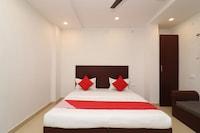 OYO 1021 Hotel Gayatri Residency Deluxe