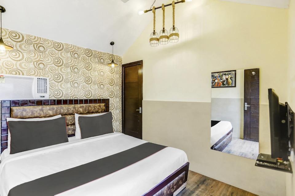 Collection O 82049 Hotel Royal , Kalkaji Delhi, Delhi