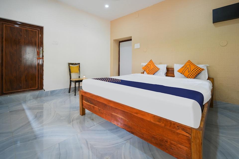 SPOT ON 82053 Royal Adwita Resort, Cuttack, Cuttack