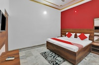 OYO 82070 Rudra Guest House
