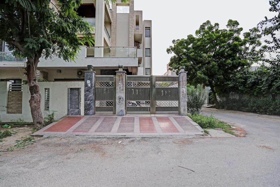 Collection O 82126 Corporate Stays, Noida City, Noida