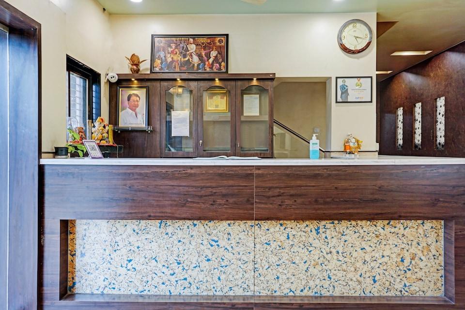 Collection O 82198 Hotel Karishma Palace , Shikrapur, Pune