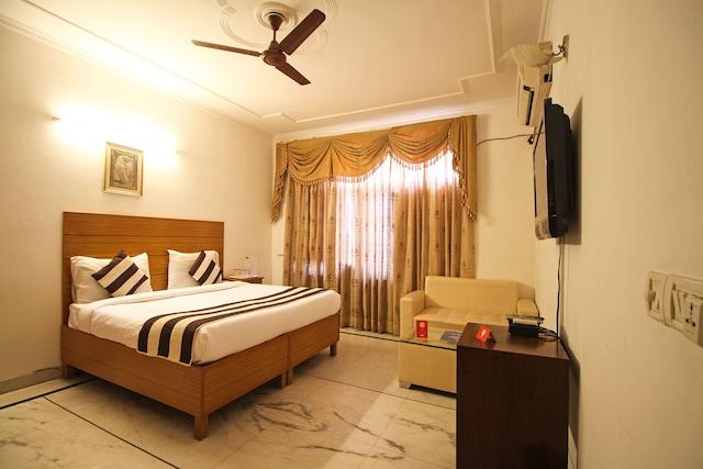 OYO Rooms 641 Opposite Huda Market Sector 31