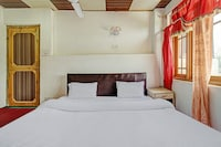 SPOT ON 82291 New Heaven Canal Guest House