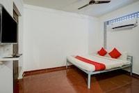 OYO 82302 Mac Residency