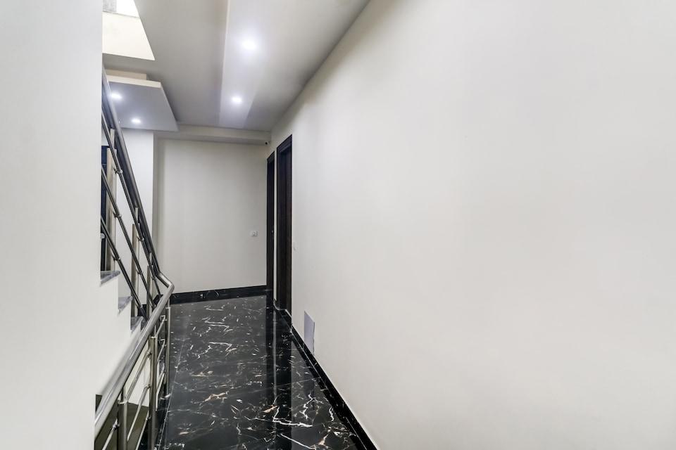 OYO Townhouse 489 Growvid Residency, Medanta, Gurgaon