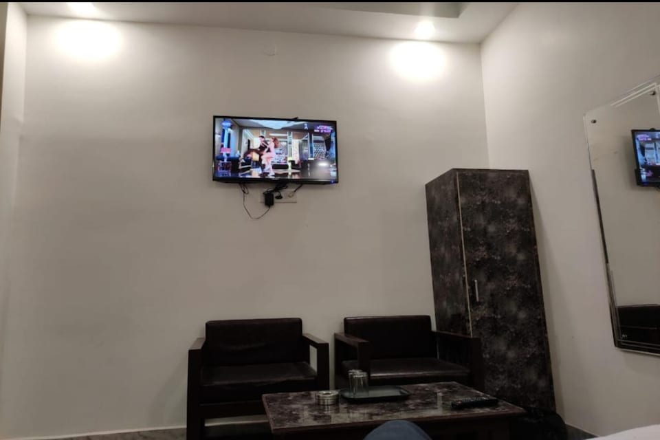 OYO 82335 Hotel Rajvilla, Pratapgarh, Pratapgarh