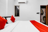 OYO 82370 Hotel Lucky Stay