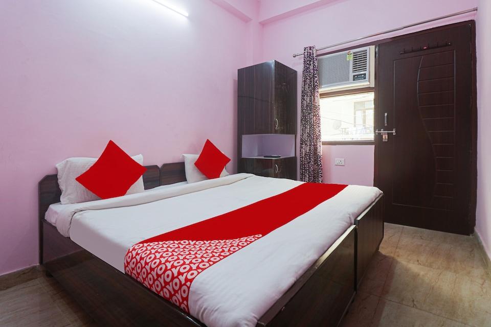 OYO 82383 Aahana Hotel, Medanta, Gurgaon