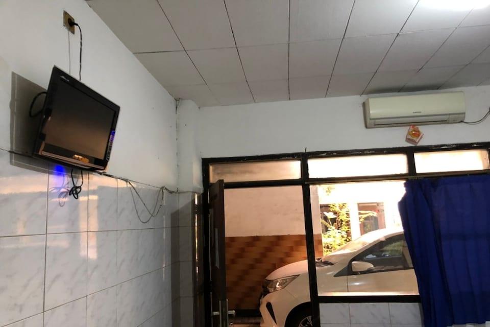 OYO 90603 Hotel Gajah Mada Ampel, Bulak Banteng, Surabaya