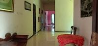 OYO 90605 Ketintang Baru 1 Residence