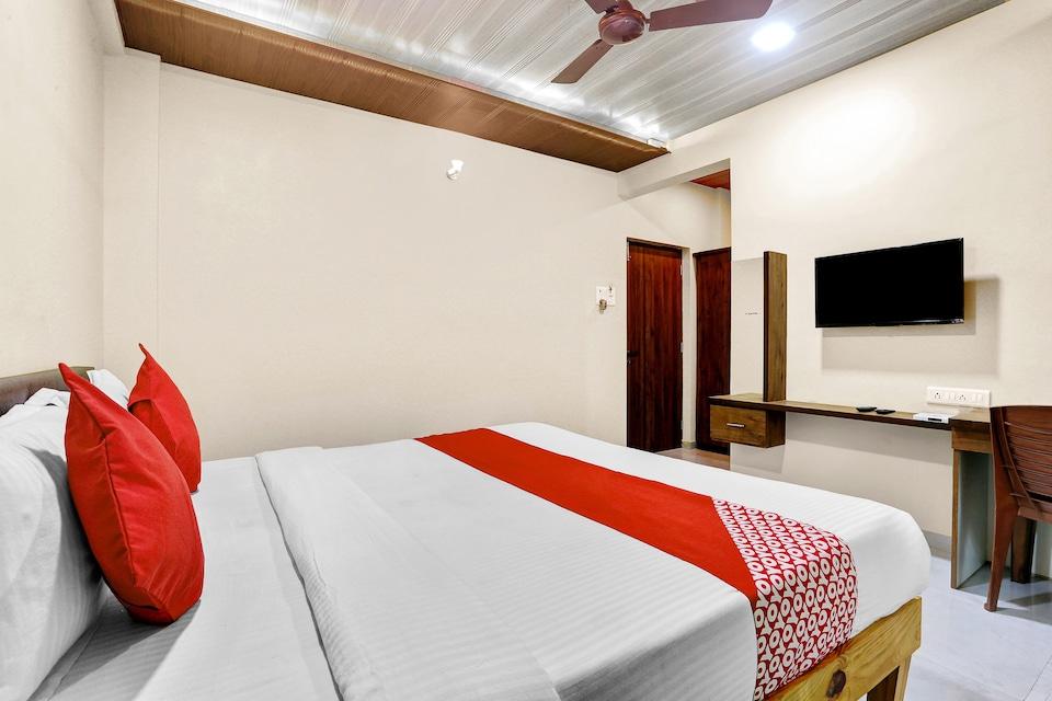OYO 82508 Durva Palace, Alibag, Alibag