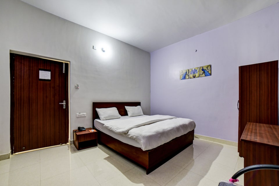 OYO 82551 The Hotel Quaint, Danapur, Patna